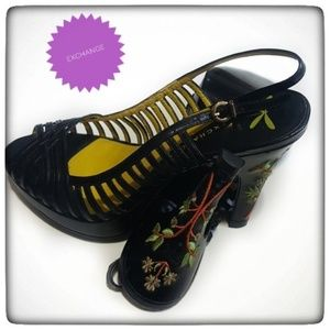 Black Slip On Unique Embroidered Flower Heels -7.5